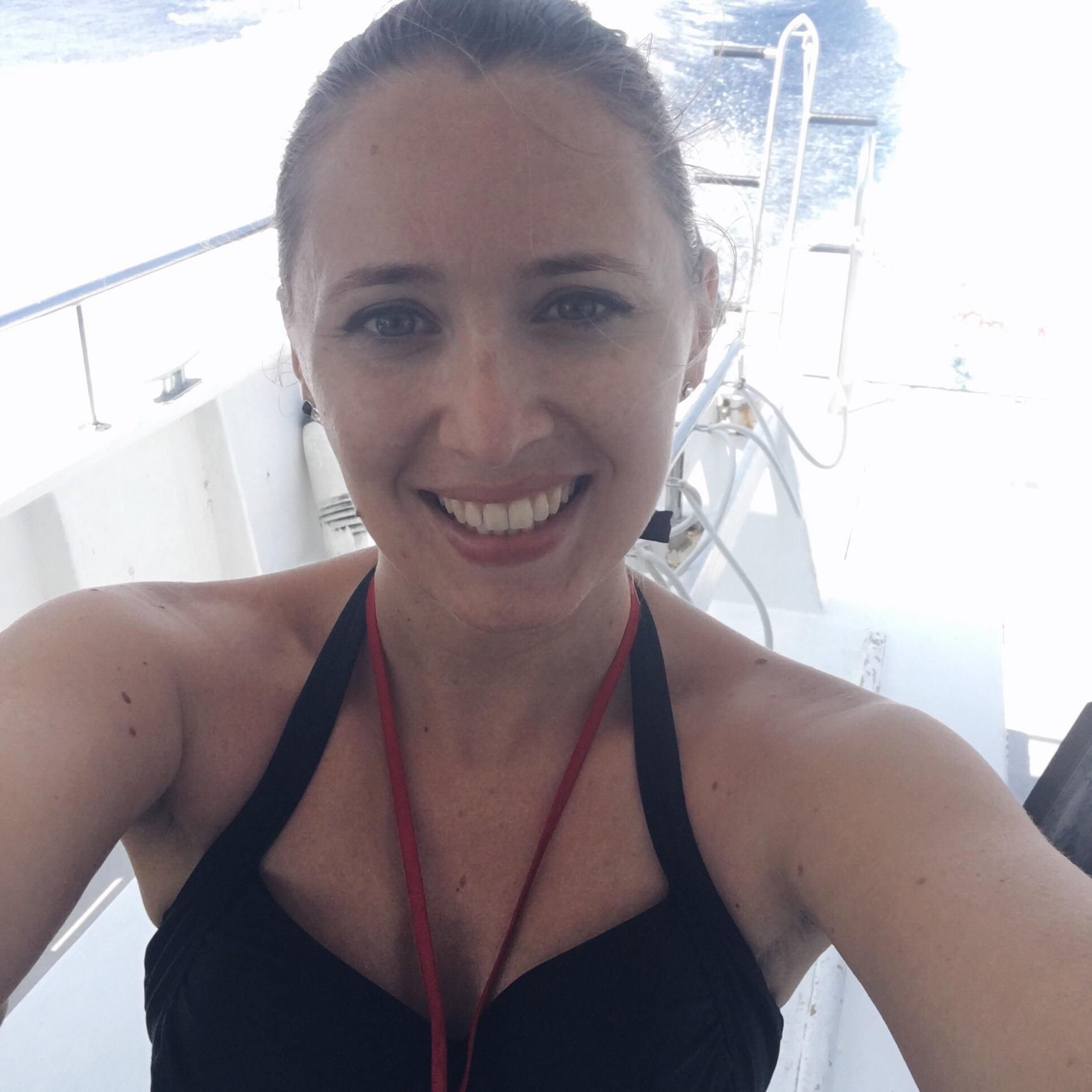 dune-la-londe-les-maures-porquerolles-plongée-snorkeling-bateau-selfie-smile-soprettylittlethings