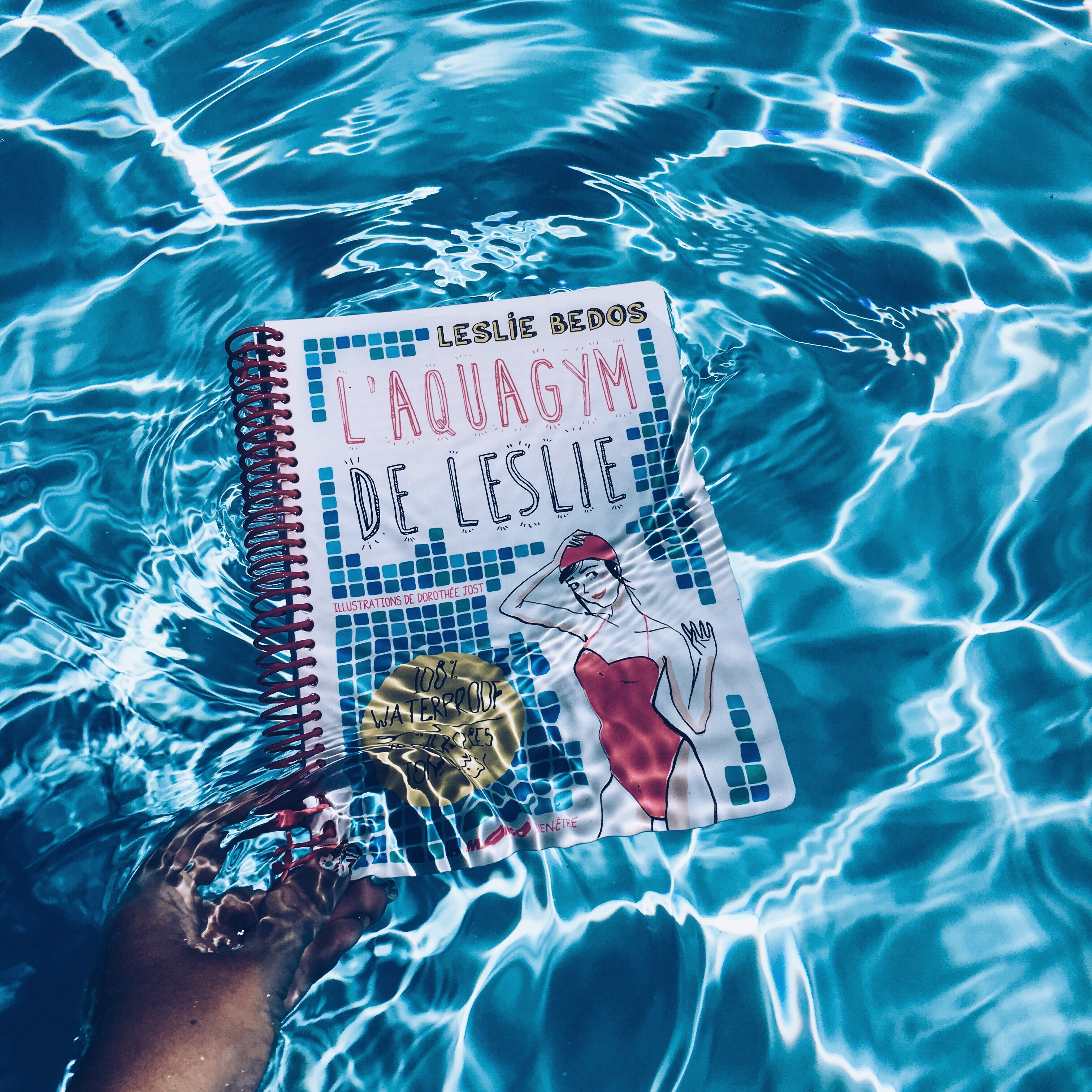 aquagym-livre-waterproof-piscine-sport-fitness-leslie-bedos-soprettylittlethings