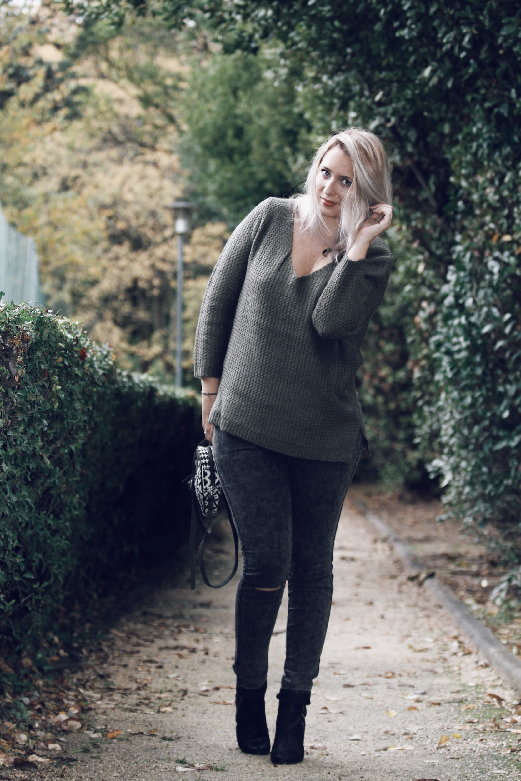 pull-kaki-jegging-jennyfer-sac-folklo-by-ka-ootd-blogueuse-mode