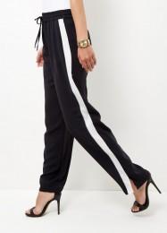 pantalon-large-noir-avec-rayures-sur-le-cote