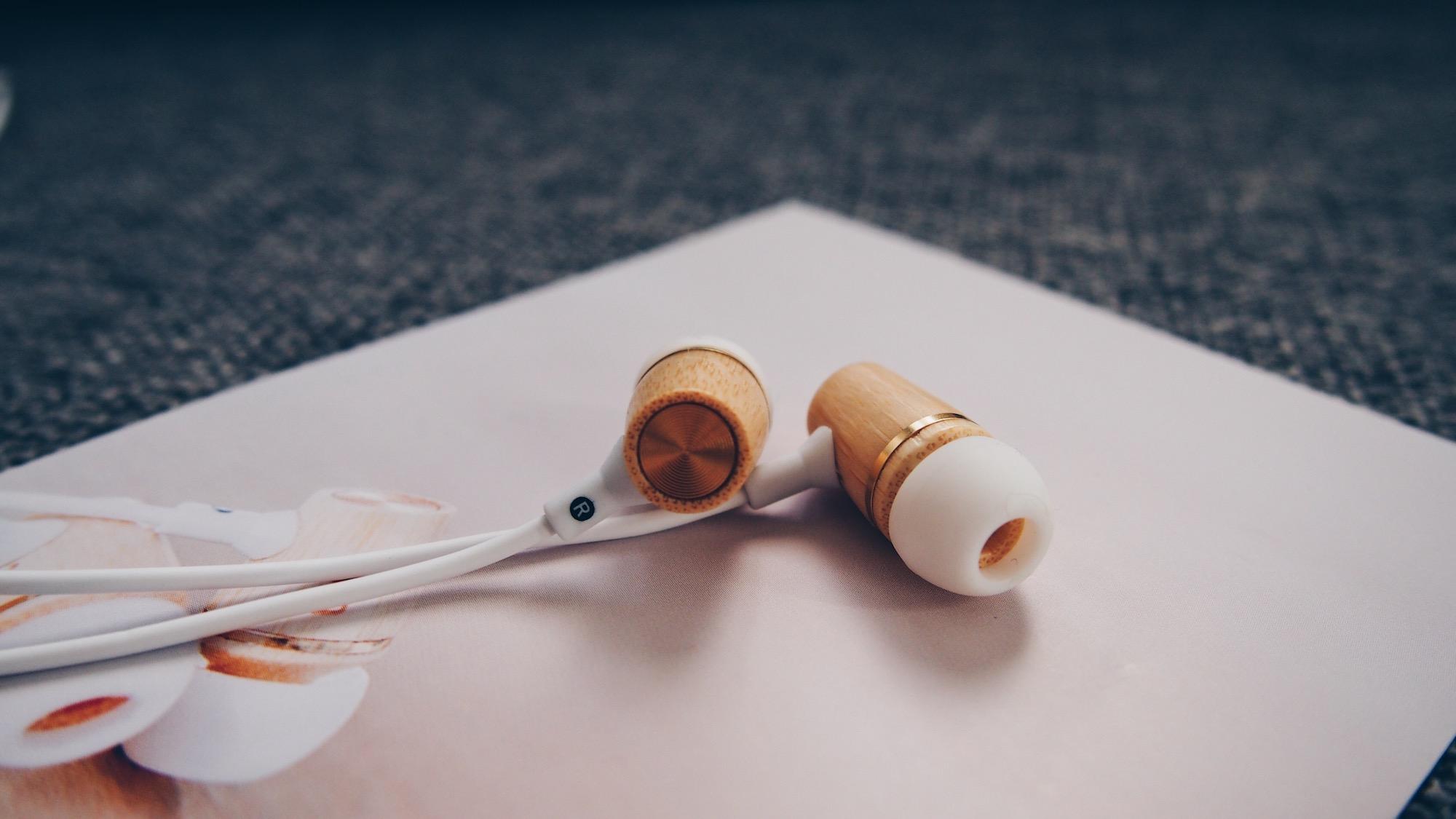 la-box-homme-by-emma-et-chloe-accessoires-audio-echarpe